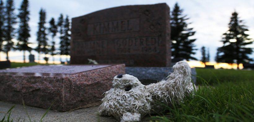furto al cimitero