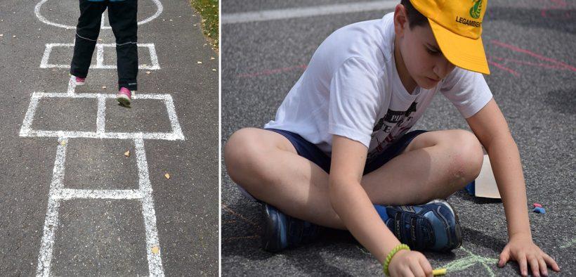 giocare i bimbi per strada