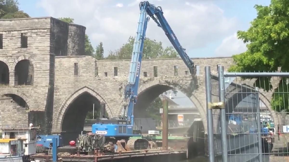 abbattimento di un ponte