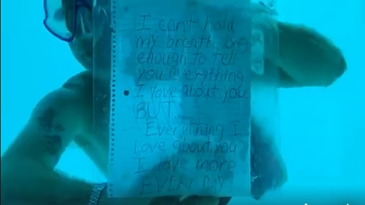 proposta di matrimonio sott'acqua