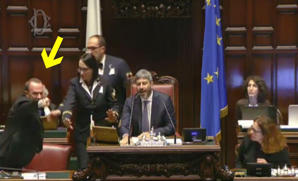 Mes: Borghi (Lega), gravissimo Gualtieri, Conte riferisca subito o si cerchi avvocato