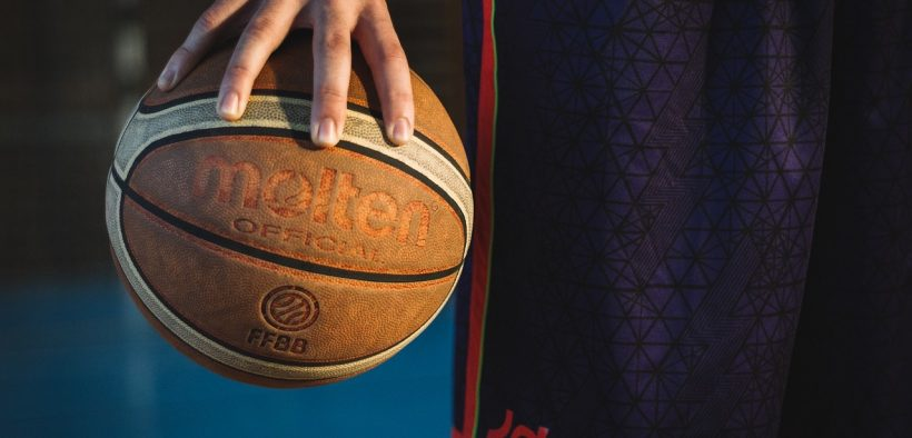 Tragedia nel basket