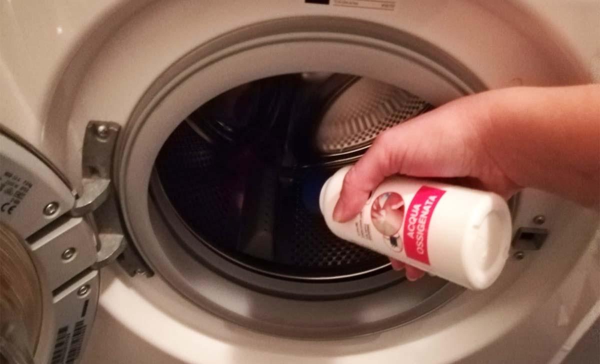 acqua ossigenata in lavatrice