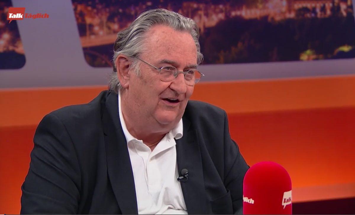 immunologo svizzero microfono trasmissione uomo intervista