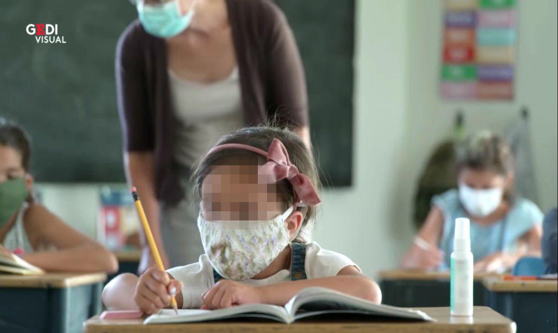 maestra bambini scuola